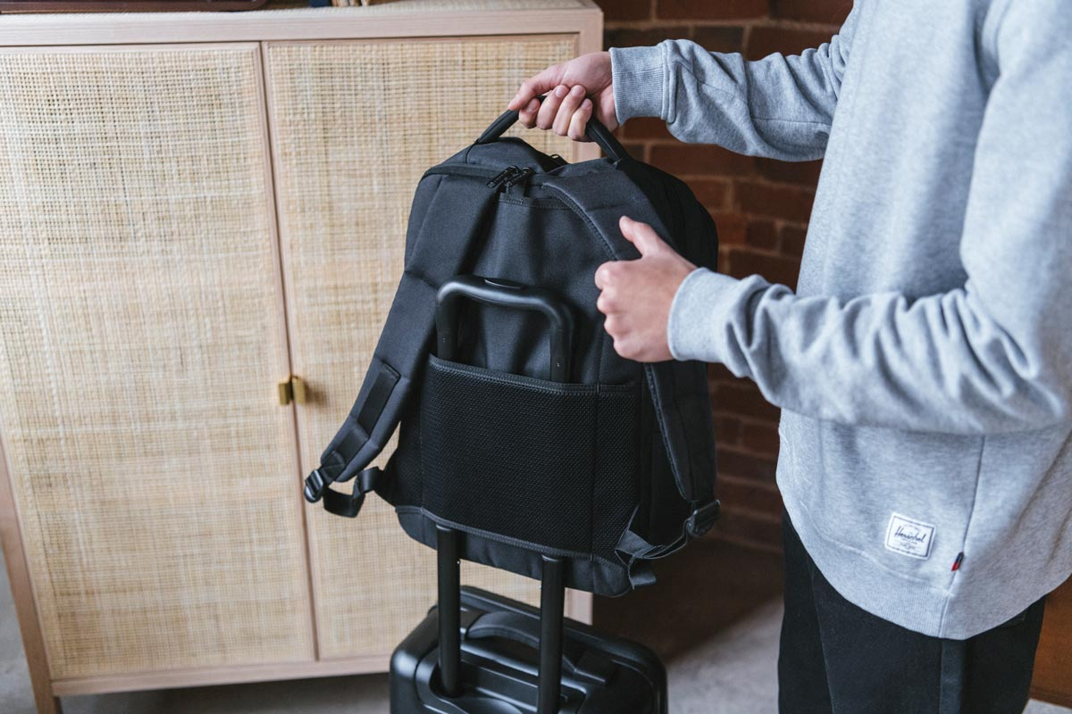 Airmesh luggage trolley sleeve
